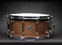 taye specialty hybrid snare drum walnut and maple, малый барабан Taye Specialty с гибридной обечайкой из ореха и клена